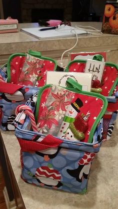 Little Carry All Caddy Great gifts for teachers, co-workers, friends www.mythirtyone.com/sarahhill