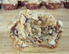 Banana Oat Crumb Muffins~very little sugar, no eggs, lots of bananas & oats from #FlourMeWithLove #muffins #banana