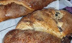 Cozonaci pufoși cu nucă - rețetă tradițională - Farfuria Colorată Banana Bread, Desserts, Food, Tailgate Desserts, Deserts, Essen, Postres, Meals, Dessert