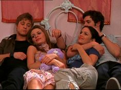 The OC: Summer and Seth surprise Marissa with her room. The Fab Four, Fantastic Four, Summer And Seth, Summer The Oc, The Oc Tv Show, Marissa Cooper, Ten Year Anniversary, Tv Couples, Summer Photos