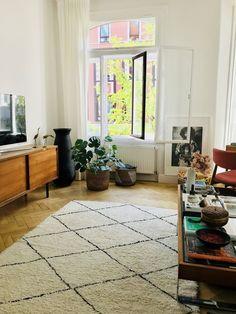 Gemütliche Altbauatmosphäre | SoLebIch.de Foto: Nikethedanishgirl #solebich  #wohnzimmer #ideen #