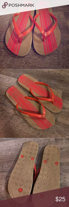 Tory Burch Flip Flops Gently worn authentic Tory Burch flip flops. Tory Burch Shoes Slippers
