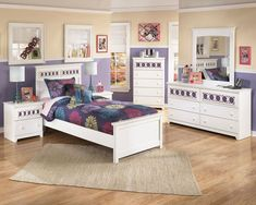 Fall in love with the Zayley White 7 Pc. Twin Bedroom Collection by Signature Design by Ashley at Direct Value Furniture proudly serving Roscoe, IL and surrounding areas for over 10 years! Twin Size Bedroom Sets, Wood Bedroom Sets, Grey Bedroom Furniture, Childrens Bedroom Furniture, Kids Bedroom Sets, Toddler Furniture, Bedroom Decor, Childrens Rooms, Gray Bedroom