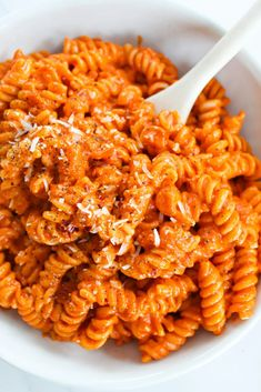 Vegetarian Comfort Food, Vegetarian Pasta Recipes, Vegetarian Main Dishes, Cooking Recipes, Vodka Sauce Pasta, Spicy Pasta, Easy Recipes For Beginners, Spicy Dishes, Food Obsession