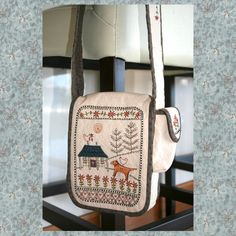 Shop | Category: Lynette Anderson Designs | Product: Daisy Cottage Bag