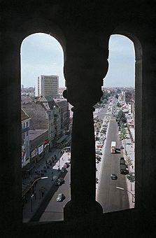 Germany Berlin (West) Charlottenburg - View from the ruin of the 'Kaiser-Wilhelm-Gedaechtniskirche' to 'Kurfuerstendamm'.  - um 1956