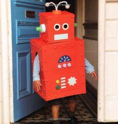 Eine Reise in die Zukunft! Selbst gebasteltes Roboterkostüm.