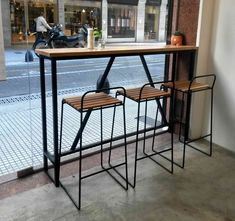 chairs - Our best picks of vintage bar chairs to amaze and inspire you www barstoolsfurniture com Cafe Interior Design, Cafe Design, Black Counter Stools, Balcony Bar, Table Haute, Wrought Iron Patio Chairs, Chaise Bar, Coffee Shop Design, Steel Furniture