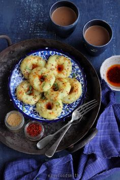 KHICHU is a #Gujarati #snack and #breakfast that is #glutenfree and #vegan and takes under 15 minutes to make.