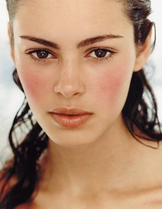 gorgeous natural makeup (i LOOOOVE pink blush on a clean face.)