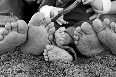family photos#toes #family - Click image to find more Photography Pinterest pins