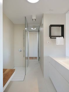 Kelly giesen 39 s first apartment from small space big style show available to watch on hulu in - How to maximize space in a small bathroom minimalist ...