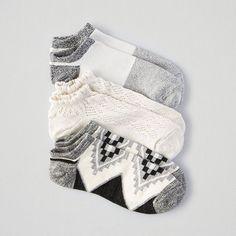 AEO Shorts Sockss 3-Pack ($9.99) ❤ liked on Polyvore featuring intimates, hosiery, socks, black, geometric socks, color block socks, patterned hosiery, marled socks and print socks