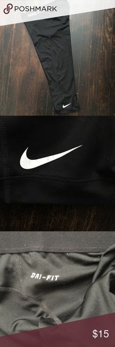 Nike Pro dri fit workout cropped leggings S Nike Pro dri fit workout cropped leggings S. Nike symbol semi cracked as pictured. Nike Pants Leggings