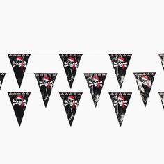 Fun Express FX IN-3/537 Plastic Pirate Pennant Banner, 100'