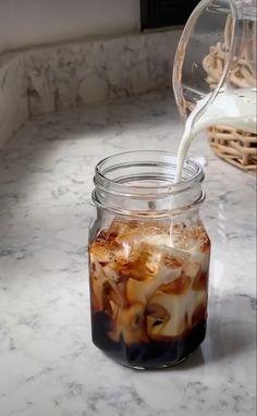 Coffee Is Life, Coffee Love, Coffee Break, Iced Coffee, Coffee Drinks, Comida Do Starbucks, Bebidas Do Starbucks, Aesthetic Coffee, Aesthetic Food