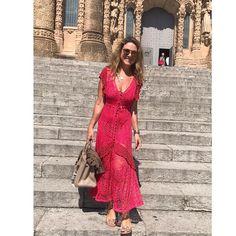 ❤️Giovana Dias in Barcelona !! Estreando o meu lindo dress ,renda com crochet #templosagradocorazondejesus