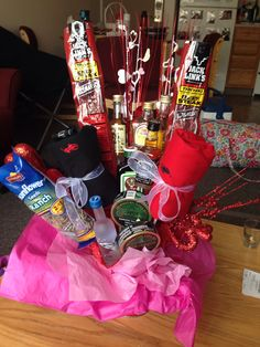 DIY boyfriend gift liquor bouquet valentines day anniversary cute things to do for your boyfriend gifts for your boyfriend easy DIY boyfriend gift man bouquet