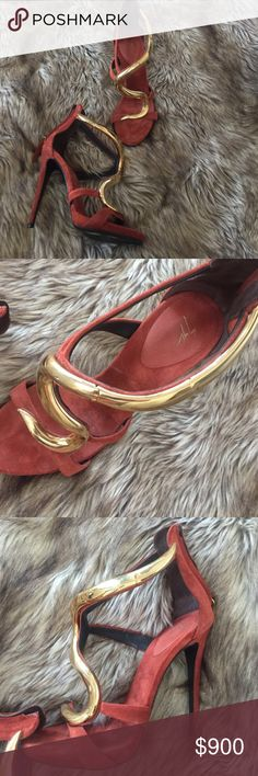 Giuseppe Zanotti heel Giuseppe heel with gold detail. Worn twice. Great to dress up an outfit ! Burgundy! Accepting offers as well. Giuseppe Zanotti Shoes Heels #giuseppezanottiheelsgold #giuseppezanottiheelsoutfit