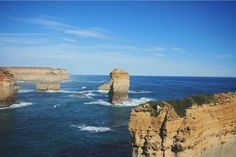 Took my kids to see Oddball today some fine shots of this in the movie. Although I'm not sure you could walk to here and back from Warrnambool there's some poetic licence in there! Beautiful shot from the 12 Apostles on the Great Ocean Road of course courtesy of @bjyw #liveinvictoria #victoria #vic #greatoceanroad #gor #12apostles #twelvespostles #portcampbell #warrnambool #oddball #sea #ocean #coast #coastline #surf #waves #rocks #beautiful #scenic #nature #landscape #love #australia…