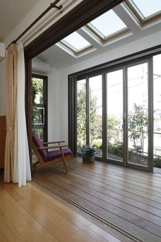 Cheap Ways to Decorate Your Sunroom Japanese Modern House, Bedroom Minimalist, Home Design Plans, Home Hacks, House Rooms, Home Decor Inspiration, Architecture, My Dream Home, Home And Living