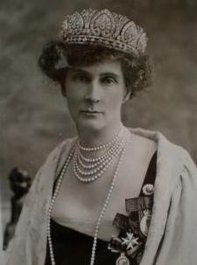"""The Duchess of Devonshire, née Lady Evelyn FitzMaurice wearing the Devonshire Honeysuckle Tiara.    """"The Queen has been complaining about the weight of her tiara ... the Queen doesn't know what a heavy tiara is."""" ---- Evelyn, Duchess of Devonshire about Queen Mary, for whom she was Mistress of the Robes."""