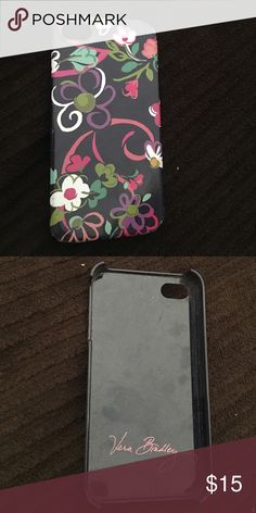 Vera Bradley phone case iPhone 4.                                                               Vera Bradley                                                            perfect condition! no dings or problems.                make me an offer ☺️ Vera Bradley Accessories Phone Cases