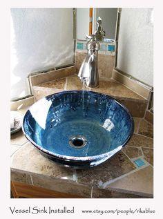 Blaues Schiff Waschbecken Keramik von RikaBluePottery auf Etsy