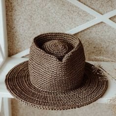 """""""Fedora raffia Ledis. Color: EARTH"""" Raffia Hat, Classic Hats, Wearing A Hat, Fedora Hat, Hat Making, Yarn Colors, Hat Sizes, New Product, Panama Hat"""