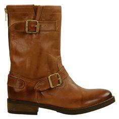 Stevige laarzen met een grove zool, gemaakt van soepel en comfortabel leer. Leuk detail op deze laarzen is de rits op de achterzijde van de schacht. De voering is van textiel en de hak is 3 cm hoog.