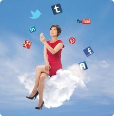 Everything a working mom must know about social networking.