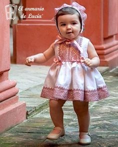 Vestido Vuelo Elegant Baby Girl Dresses, Baby Dress, Flower Girl Dresses, Baby Princess, Princess Style, Little Girl Outfits, Kids Outfits, European Girls, Clothes Crafts