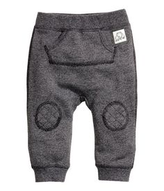 Perfect little baby sweatpants : grey : heathered : knee patches Toddler Boy Fashion, Little Boy Fashion, Toddler Boys, Baby Boy Outfits, Kids Outfits, Little Man Style, Boys Pants, Baby Kind, Baby Wearing