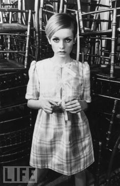 Twiggy in 1968-we all wanted her eyes-and used tons of mascara to get them! :)