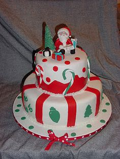 Top Tier- Yellow Butter Cake with Strawberry Filling Bottom Tier- Triple Chocolate Cake with Peppermint Cookies and Cream Filling. Christmas Cakes, Holiday Cakes, Christmas Goodies, Christmas Baking, Merry Christmas, Xmas, Strawberry Filling, Strawberry Cakes, Cake Cookies