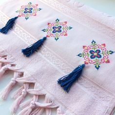625 Likes, 14 Comments - in Insta . - Diy and Crafts Embroidery Patterns Free, Cross Stitch Embroidery, Hand Embroidery, Embroidery Designs, Cross Stitch Borders, Cross Stitch Designs, Cross Stitch Patterns, Diy 2019, Palestinian Embroidery