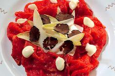 Carpaccio con salsa all'aglio e tartufo