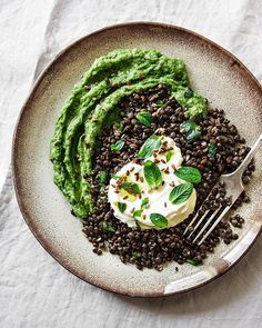 Spinach Mashed Potatoes with Beluga Lentils