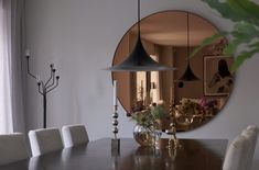 linen tapet matsal Feng Shui, Oversized Mirror, Dining Room, Inspiration, Furniture, Home Decor, Clocks, Mirrors, Life
