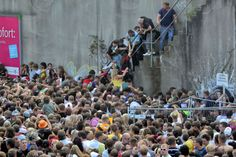 Sabrina Gebert, 371149.  This picture shows the Loveparade disaster in 2010 in Germany. Due to the fact that the entrance was the exit at the same time, people hit each other and a mass panic arose; 21 people were trampled to death. As one can see, people helped each other in order to get under shelter from the crowd.