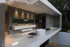 14,000 SQUARE FOOT GLASS PAVILION HOUSE BY STEVE HERMANN