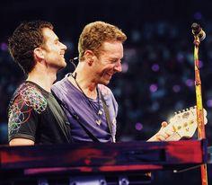 """Páči sa mi to: 36.9 tis., komentáre: 138 – Coldplay (@coldplay) na Instagrame: """"End of Paradise grins. #ColdplayCardiff R42"""""""
