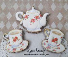 ВкусноСладко. Пряники на заказ. Чайный сервиз. Чайник и чашки.