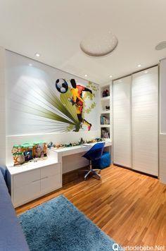 quarto de menino com papel parede futebol