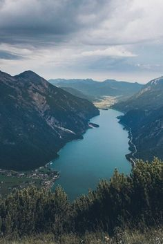 Der Ausblick vom Bärenkopf am Achensee. Norwegen-Feeling garantiert! Mittelschweres Wandern in Österreich