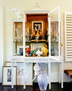 Pretty Asian display cabinet.