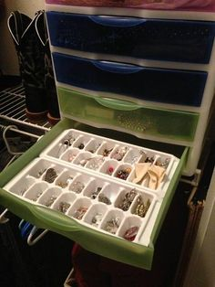 Jewelry Organization! Great idea from friend - uses ice cube trays in plastic drawers. https://sphotos-b.xx.fbcdn.net/hphotos-frc1/q71/s720x720/1002635_10151842534574113_1796516168_n.jpg