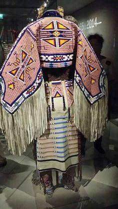 Like the wedding blanket skirt Native American Clothing, Native American Regalia, Native American Beauty, Native American Artifacts, Native American Beadwork, American Indian Art, Native American History, Powwow Beadwork, Powwow Regalia