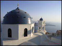 Santorin toit église (c) les cahiers de Lucie-Rose