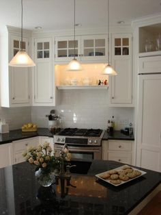 Yep, I'm pretty sure my favorite is white cabinets and black countertops